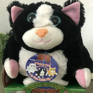Reversible Plush 3 Cats in 1!